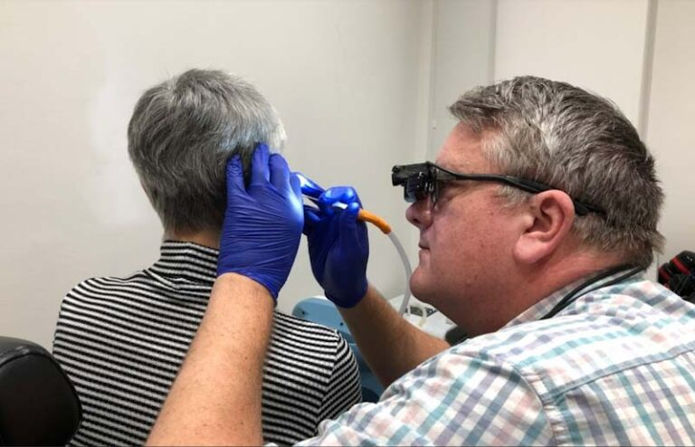 microsuction ear wax removal procedure